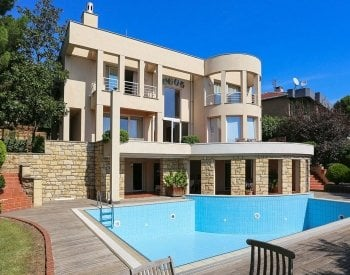 Sea and Nature View Villa in Kartal Istanbul for Sale