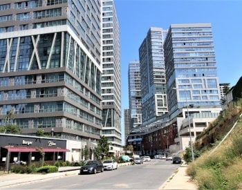 Investment Shops in a Complex in Kadikoy Fikirtepe