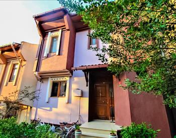 Villa Mitoyenne à Pendik Istanbul En Complexe Familial