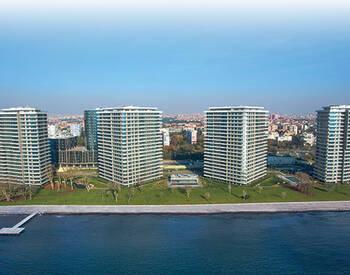 Первоклассные Офисы в Роскошном Комплексе на Побережье в Стамбуле