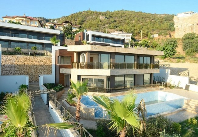 Exclusive Villas with 4+1 and 5+1 Options in Alanya Center