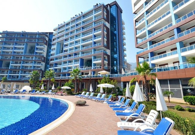 Apartments in Luxury Complex with Private Beach in Alanya