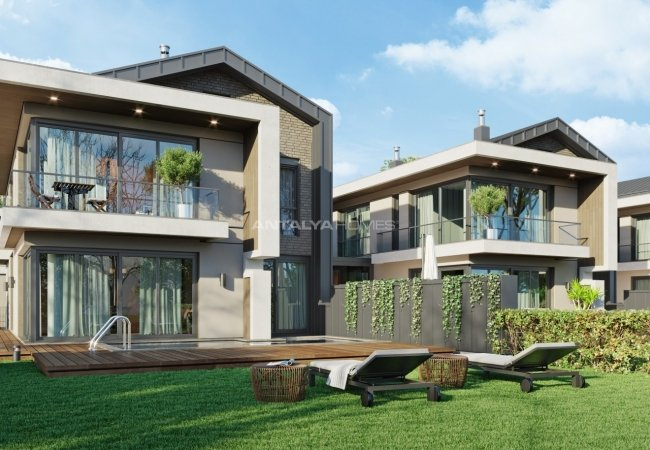 Villas with Private Pools and Spacious Gardens in Antalya