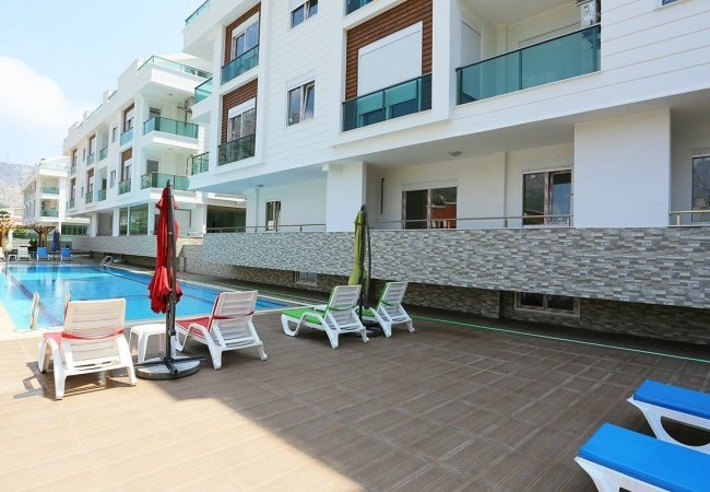 Furnished Flat in a Complex Close to the Beach in Konyaaltı