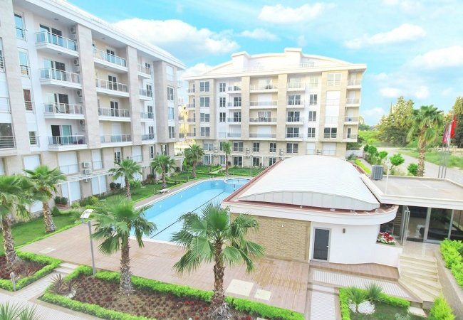 Furnished Apartment with Pool View in a Complex in Konyaaltı