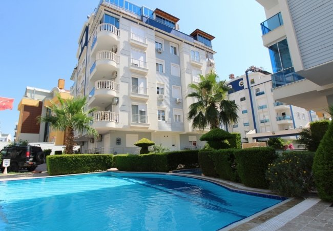 Furnished Apartment in a Complex with Pool in Konyaaltı