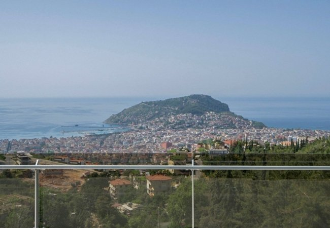 Luxury Property Intertwined with Nature in Alanya Center