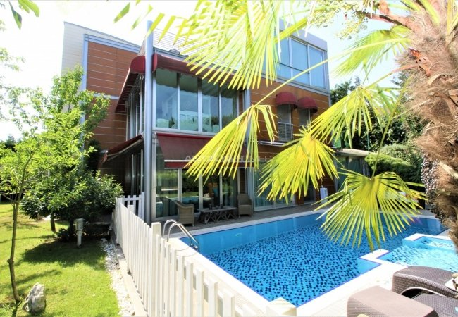 Well Located Triplex House for Sale in Istanbul
