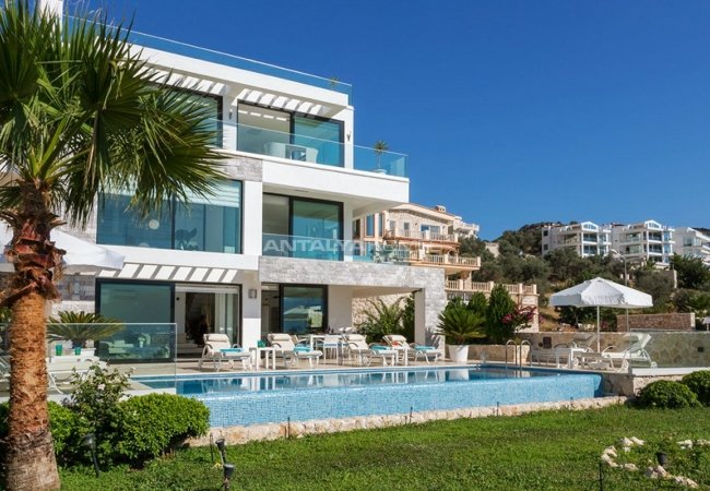 Furnished Kalkan Real Estate with Private Infinity Pool