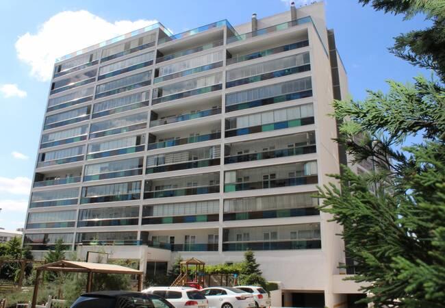 Lyxig Lägenhet Till Salu I Ett Säkert Komplex I Ankara