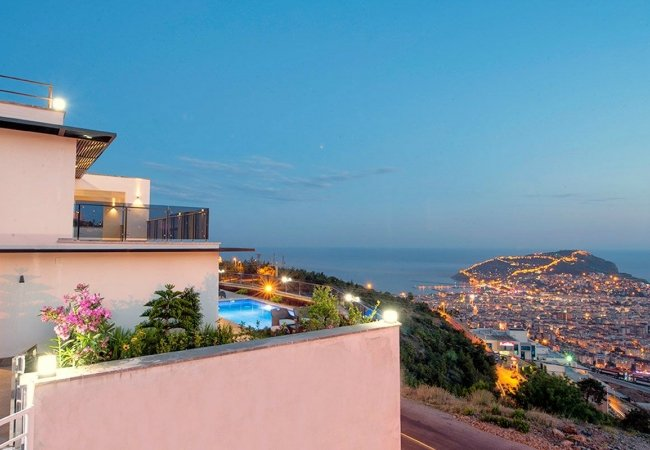 Quality Houses with Magnificent View in Alanya