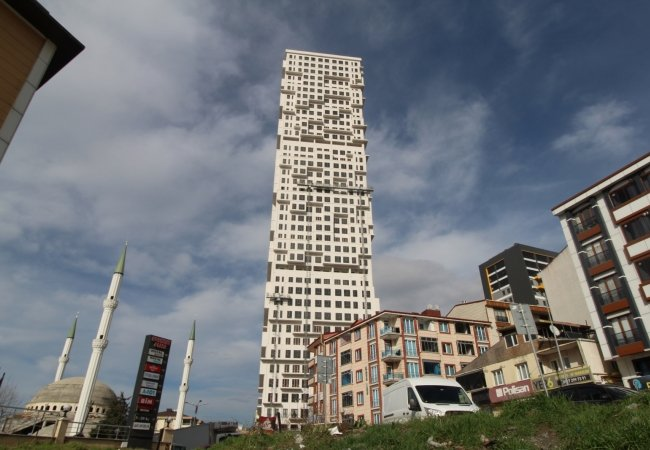 Well-located Flats with City View in Esenyurt Istanbul