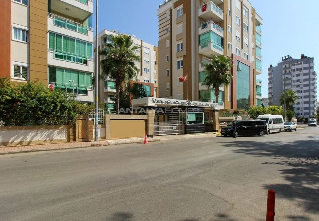 Apartment with Luxurious Complex Features in Lara Antalya