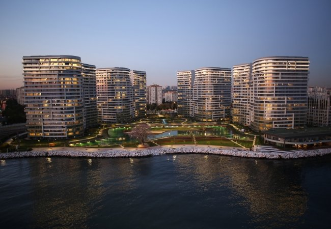 Seafront Apartments in Luxurious Complex in Istanbul Turkey