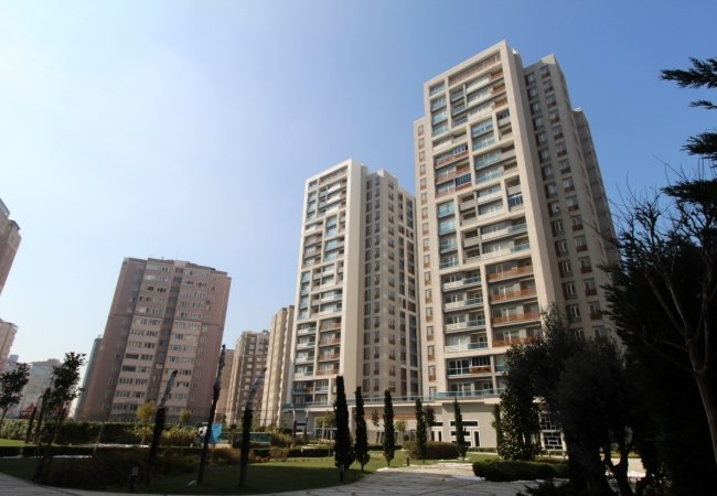 Sea View Flats with Spacious Living Areas in Beylikdüzü