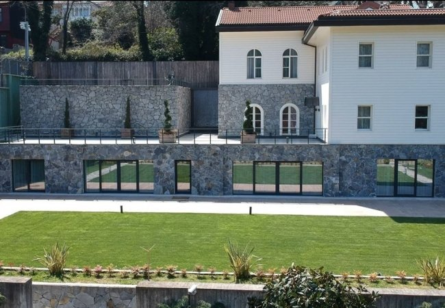 Capacious Detached Villa in İstanbul Close to the Beach
