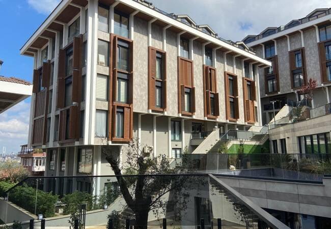 Элитные Квартиры в Стамбуле в Комплексе с Бассейном