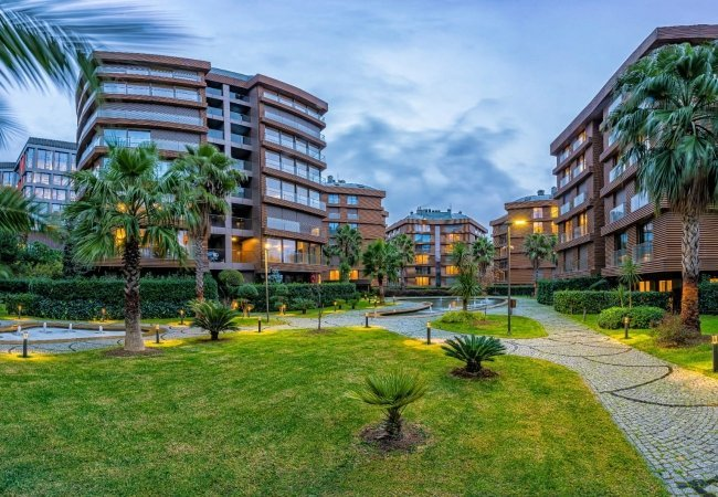 Apartments in Uskudar Close to Subway and All Access Roads