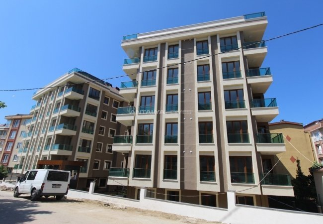Beylikdüzü Real Estate in a Complex with Rich Features