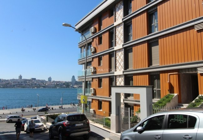 Duplex Penthouse with Maiden's Tower View in Istanbul Uskudar