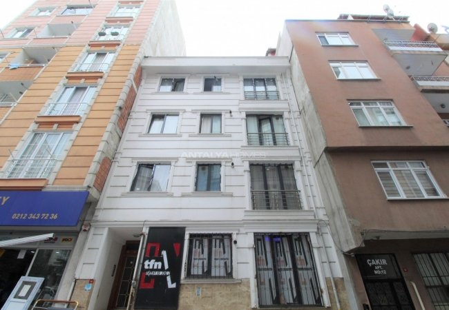 Investment Building Close to Daily Amenities in Istanbul