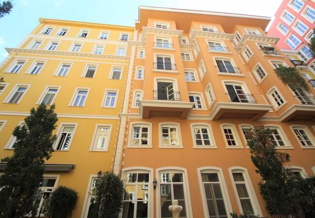 Квартиры в Бейоглу в Стиле Итальянской Архитектуры
