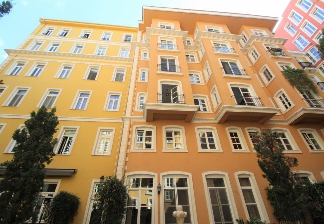 Chic Investment Flats in Istanbul Beyoglu Close to Sea
