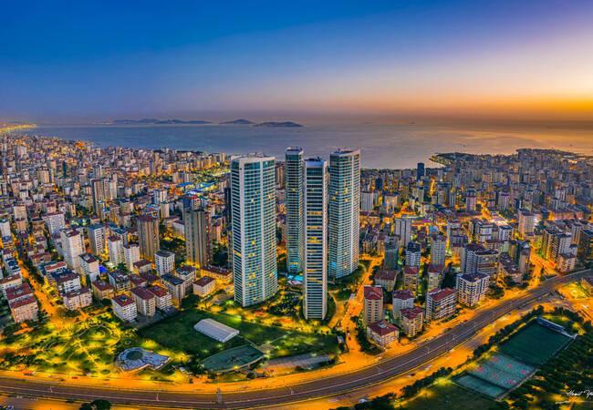 Недвижимость в Хорошем Месте в Районе Кадыкёй в Стамбуле