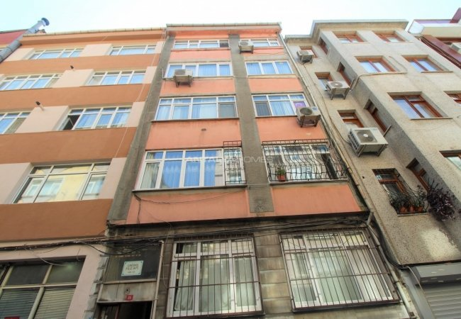 1+1 Apartment with Luxe Interior Design in Fatih Istanbul