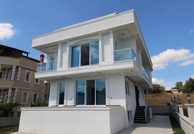 The 8+4 Detached Villa with Top Quality Material in Istanbul