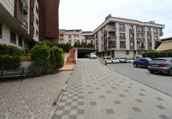 4 Bedroom Apartment in Istanbul Uskudar in a Central Location