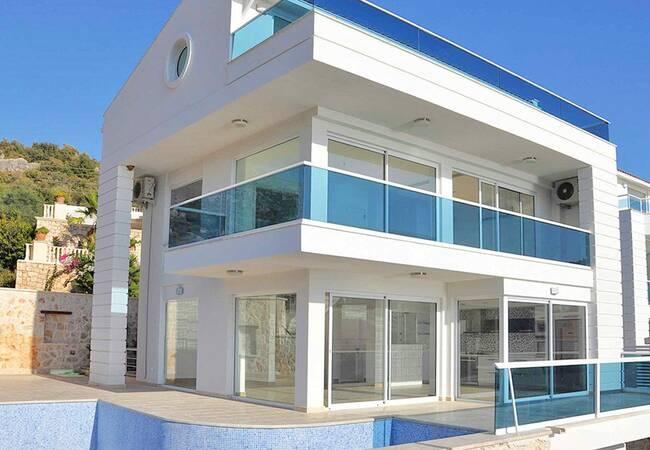 Charming 5 Bedroom Villa with Beautiful Sea Views in Kalkan