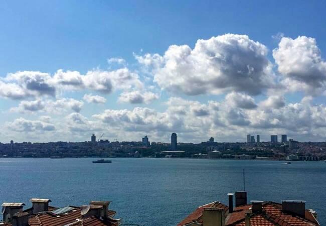 Apartments Walking Distance of the Sea in üsküdar Istanbul