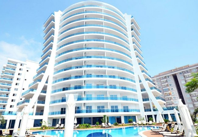 Modernly Designed Seafront Apartments in Alanya Mahmutlar