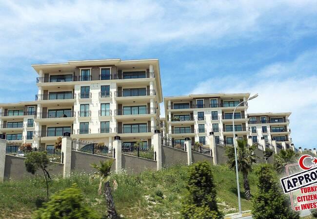 Ready Commercial Properties in a Big Complex in Beylikdüzü