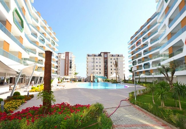 Privileged Apartments in a Luxurious Complex in Alanya