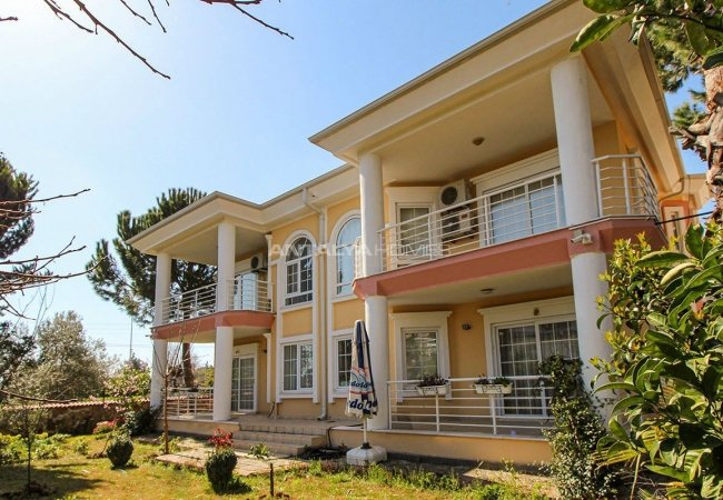 Deluxe Villas Close to Amenities in Döşemealtı Antalya