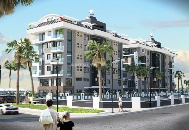 Luxury Real Estate in a Few Steps From the Sea in Alanya