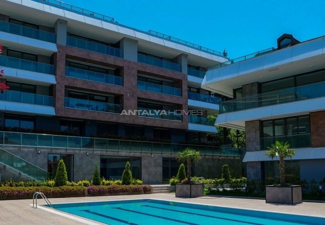 Ready to Move Flats with Swimming Pool in Istanbul