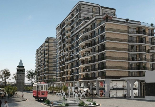 Commercial Real Estate with Valuable Tenants in Istanbul