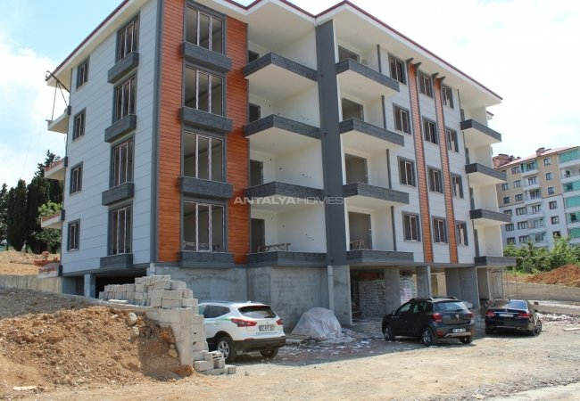 Brand New Flats in a Complex in Trabzon Bahcecik