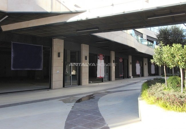 Title Deed Ready Commercial Stores in İstanbul Bağcılar