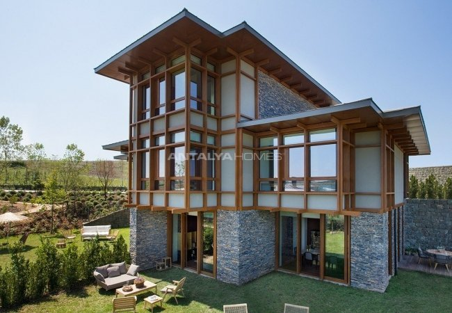 Luxurious Villas Intertwined with Nature in Beykoz Riva