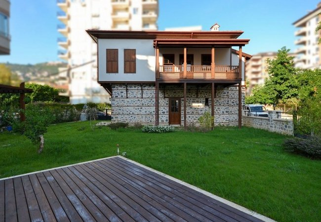 Recently Renovated Detached House in Alanya Turkey