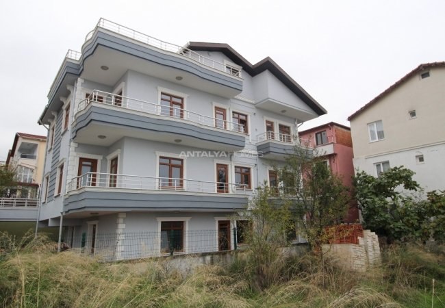 Ready to Move Entire Apartment Building for Sale in Yalova