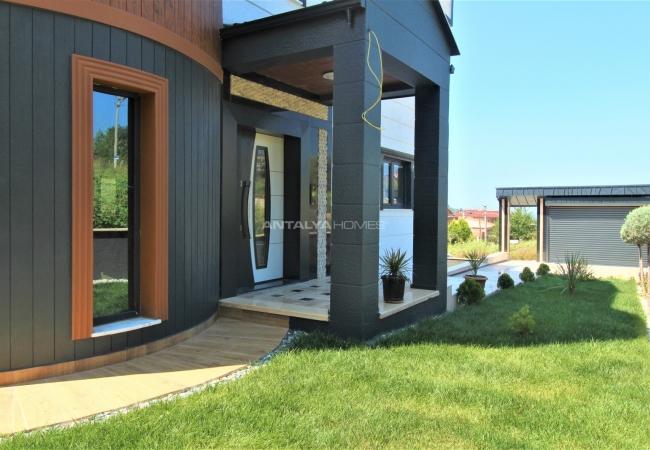 Classy 7+1 Villa with 4 Storeys to Buy in Yalova Turkey